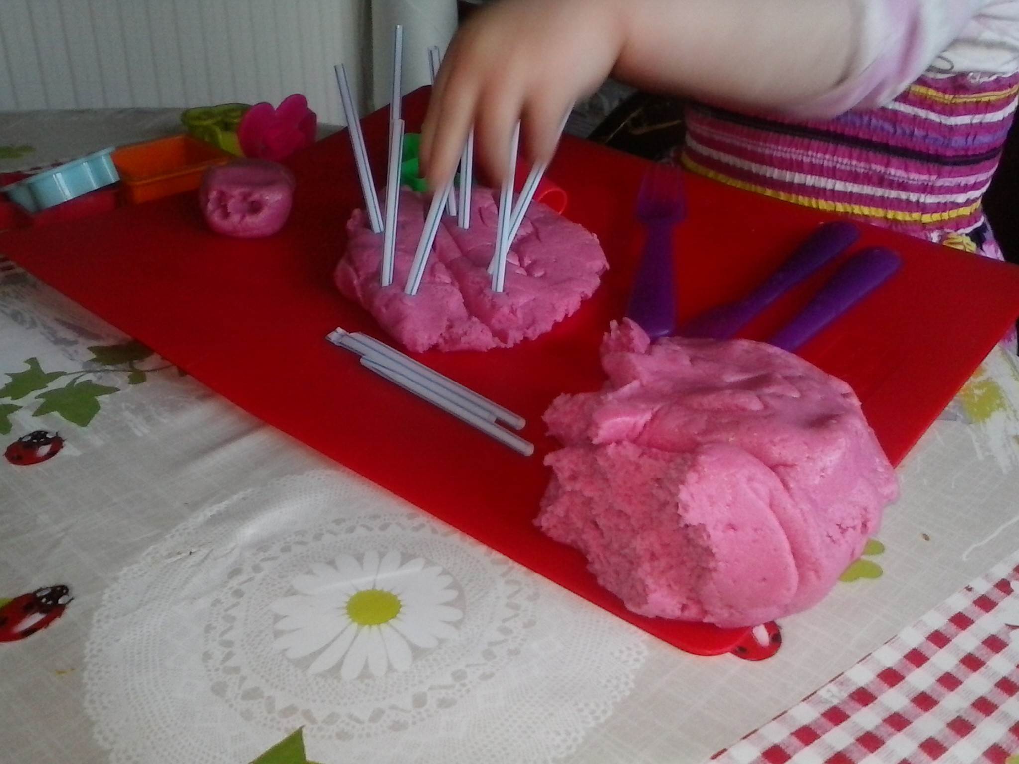 Easy Playdough Recipes – Entertaining a Poorly Peachick!
