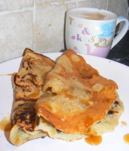 TheseApple & Raisin Vegan Pancakes (Dairyfree Eggfree) are always a winner with my dairyfree caramel sauce! They are super easy and glutenfree too!