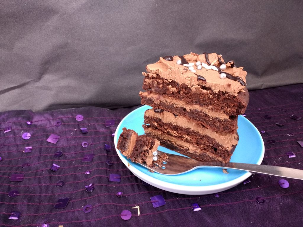 This Easy Vegan Chocolate Layer Cake (Dairyfree Eggfree) from @PeachicksBakery is definitely a very, very good chocolate cake! Layers of soft chocolate sponge, sandwiched with a rich dairyfree chocolate ganache. Sturdy enough to stack and cover for bigger celebrations too!