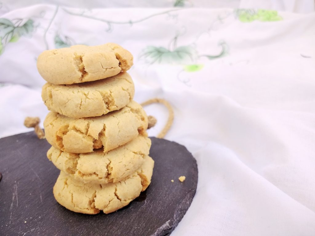 These Glutenfree Vegan Vanilla Almond Cookies are beautifully crumbly, with a delicate almond flavour. They are easy to make and perfect for dunking in a good old cup of tea.