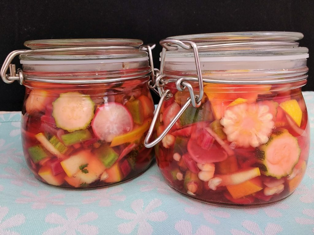 My Pretty Pink Quick Pickled Vegetables preserve beautiful @PeachicksBakery  No17 allotment vegetables to enjoy year round.  Jars of Crisp, crunchy veggies, preserved at their best in a delicate pink Apple Cider Vinegar pickling liquid. The Freefrom Gang are back once again celebrating all things seasonal with a bounty of #FreeFromHarvest recipes.  My contribution comes straight from our plot to your plate and makes stunning yet simple edible gifts for family & friends.