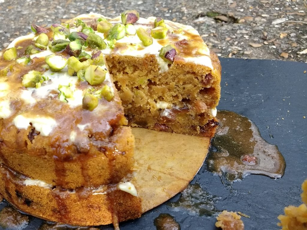 This Vegan Pumpkin & Carrot Cake is packed full of beautiful seasonal produce. Soft sponge combined with the gentle warmth of ginger and a luxurious cream cheese frosting all topped off with crushed pistachios and a salted caramel sauce... Pumpkins are definitely for more than just pie! AND no-one will believe that it is completely dairyfree, eggfree & glutenfree!