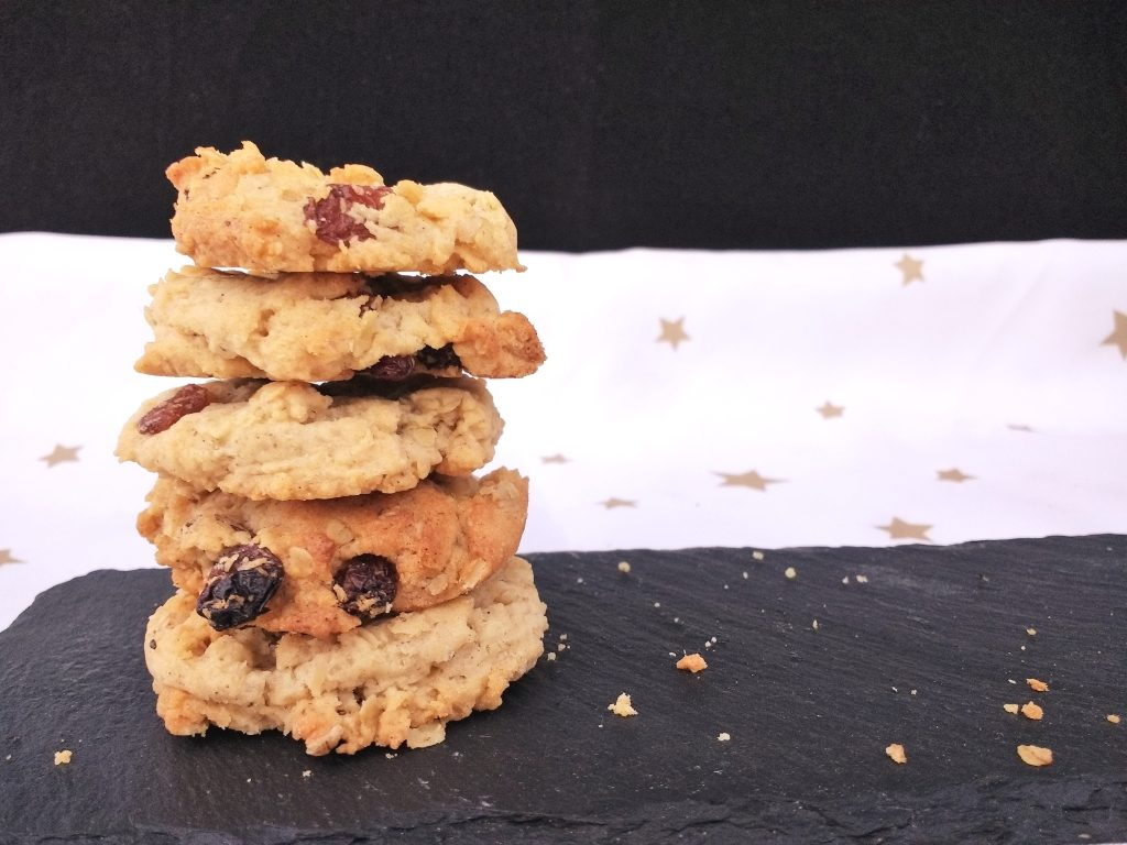 These Easy Vegan Oat & Raisin Cookies are crisp, chewy and filled with soft sultanas AND they are really easy to make too!  With a subtle hint of cinnamon they are sure to become a firm favourite in any house.  Dairyfree, Eggfree, Soyfree
