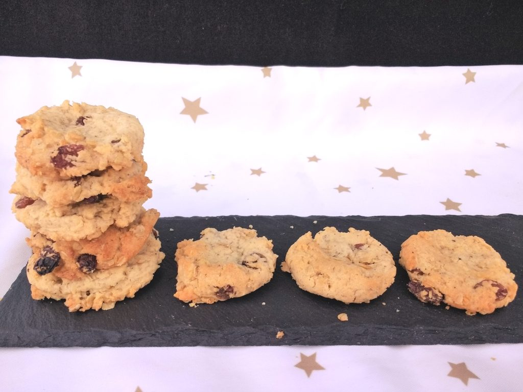TheseEasy Vegan Oat & Raisin Cookies are crisp, chewy and filled with soft sultanas AND they are really easy to make too! With a subtle hint of cinnamon they are sure to become a firm favourite in any house. Dairyfree, Eggfree, Soyfree