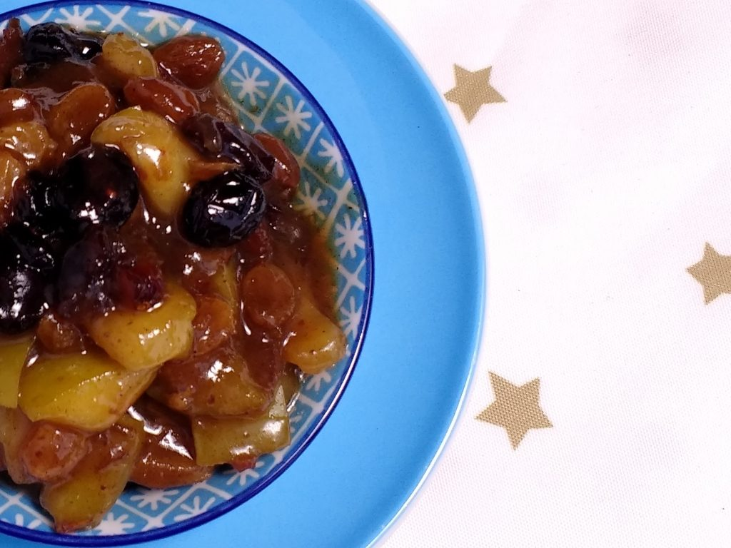 This Last Minute Whisky & Ginger Mincemeat is allergen free, vegan friendly and takes just 20minutes to prepare.  Sticky, sweet, sour and with a spicy kick from the ginger ale its packed full of festive flavours making it a great alternative to the traditional mincemeat. (Dairyfree, Eggfree, Vegan, Soyfree, Glutenfree, Nutfree)
