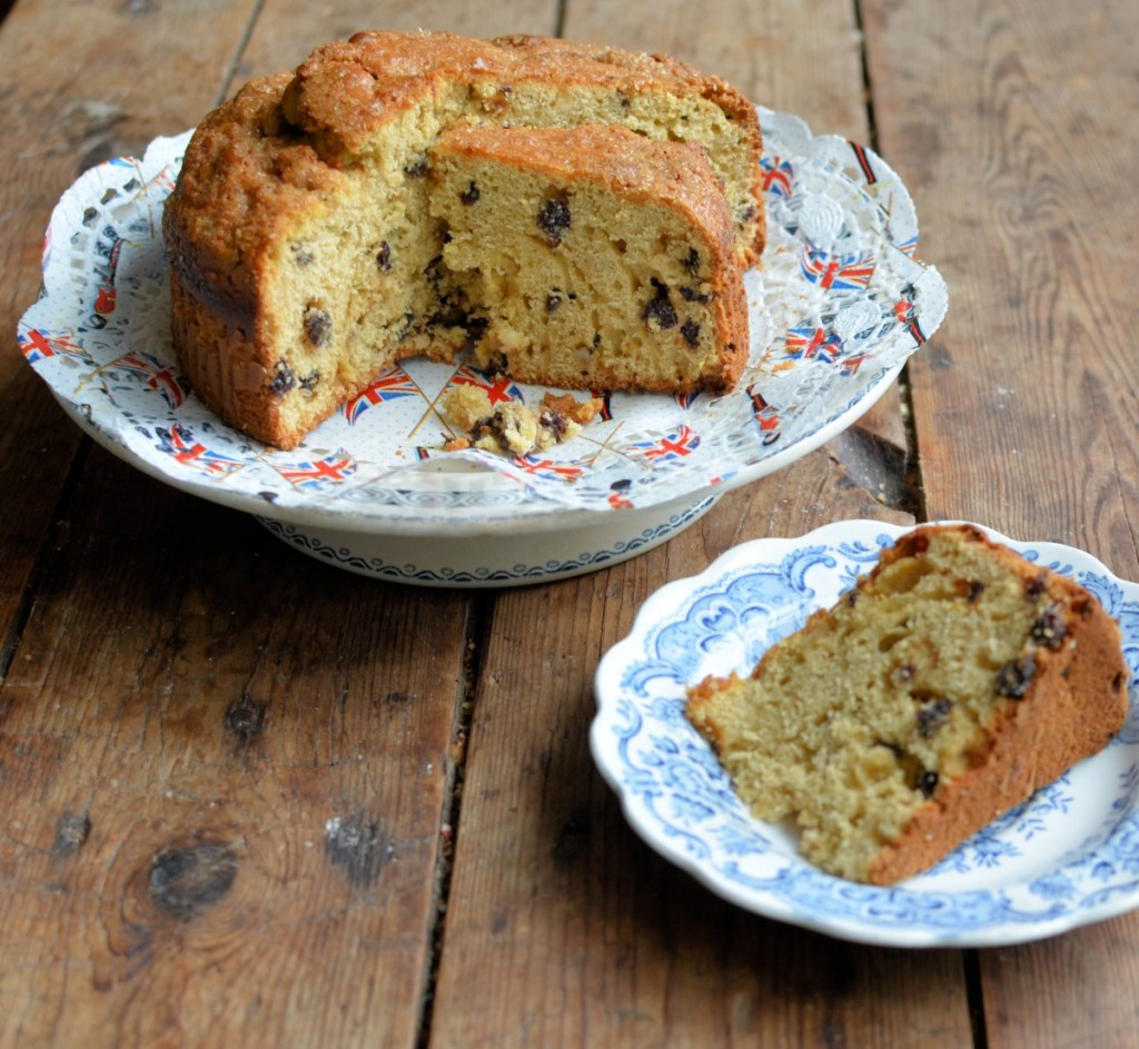 Easy VE Day Street Party Treats & #CookBlogShare 2020 wk18. Host your own Lockdown VE Day Street Party, with this great collection of delicious Afternoon Tea bakes.